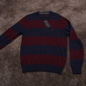 Tommy Hilfiger mens M red blue stripe crew neck